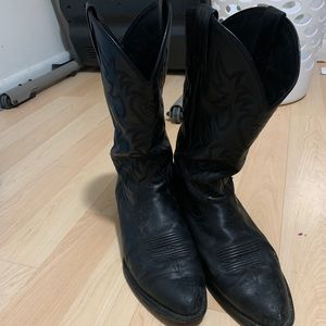 Size 14 Ariat Cowboy boots